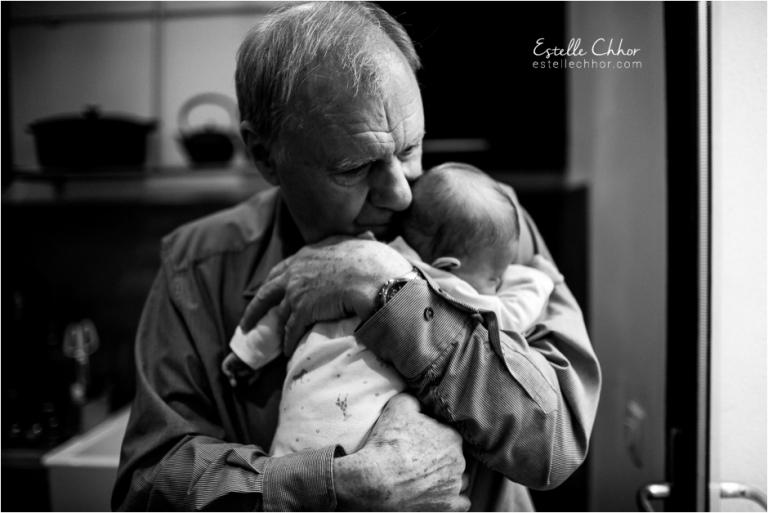 photo bébé et papi