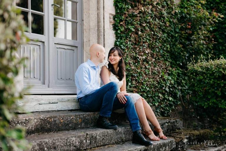 photos de couple engagement abbaye des vaux de cernay