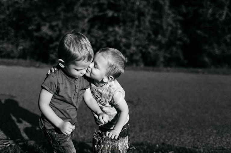 photos jumeaux noir et blanc