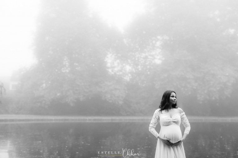 photos de maternité avec brouillard